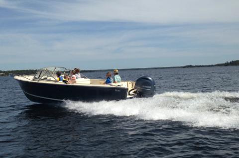 23 Classic Day Boat