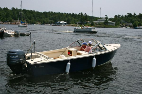 17 Closed Deck Runabout