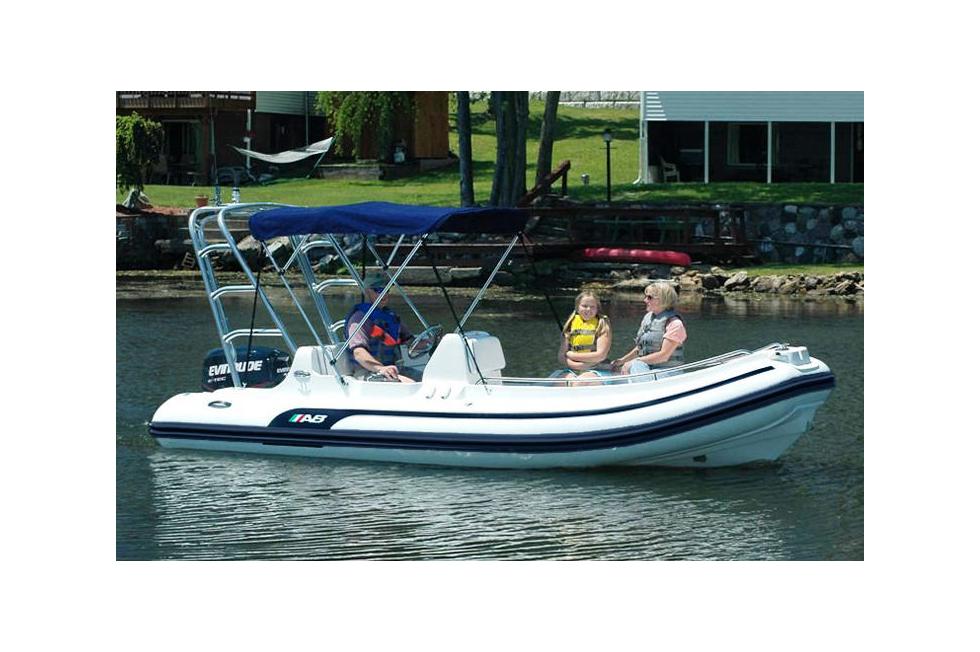 J 112E Die Erbin des Erfolgsmodells  boatscom